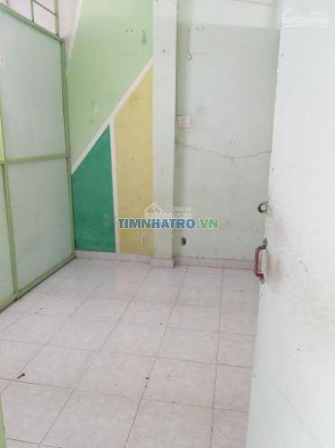 Cần cho thuê phòng trọ mặt tiền quận 11, giá 1.500.000 /tháng .lh 0938331898