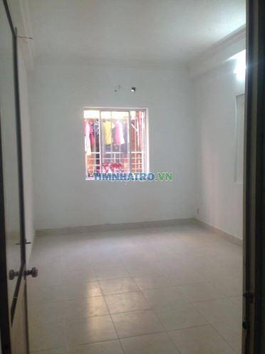 Phòng trọ 15m2 có cửa sổ, hẻm rộng đoàn văn bơ