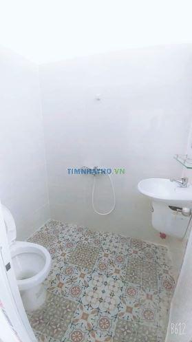 Căn hộ mini dt 35m2 có cửa sổ + bancong+ máy lạnh mới. nhà mới xây dựng. giá 4tr/tháng