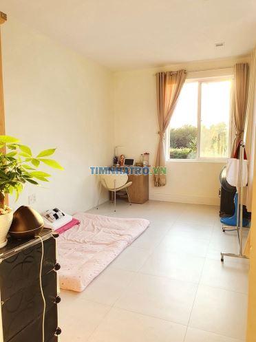 Phòng full nội thất ở căn biệt thự gần bv nhà bè