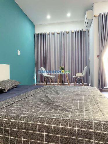 Phòng căn hộ dv full nội thất cách hồ tây 200m
