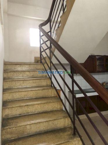Cho thuê nhà tô vĩnh diện - thủ đức. 1 trệt 2 lầu sd 150m2 - 3pn 3wc,hướng tây,cách 1 căn mặt tiền